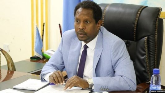 Mayor of Mogadishu, others hurt in Somalia suicide blast: relative